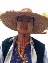 thumb_267-Myanmar-Woman,-with-Sunscreen-Paste